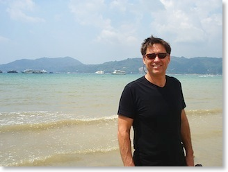 Find a friend - Bob at Patong Beach, Phuket